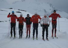 Junior-gutta har testet skiene på Sognefjellet.