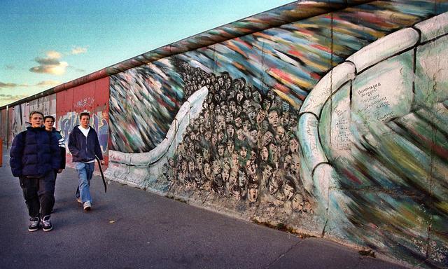 mur under hytta