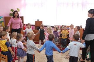 Sanglek med barn