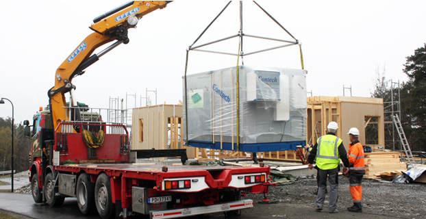 Skal du bygge hytte? Da kan badet komme fiks ferdig med lastebil ...