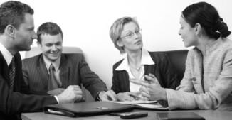 Møte på kontoret (sort-hvitt)[1]