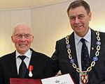 Knudsen mottok fortjenstmedaljen