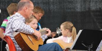 Arkivfoto Aurland musikk- og kulturskule konsert og utstilling juni 2013 Ny konsert 9.mai 2015 Foto Aurland kommune