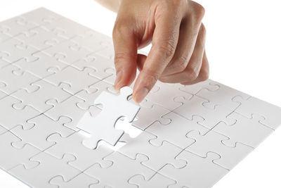 puzzle hand_400x267
