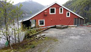 flytende hytte