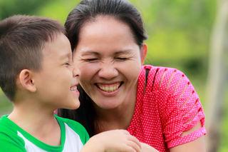Mor og sønn - asiatisk