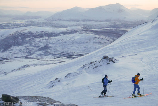 Tromso Outdoor, Ski touring/Ranodnee and avalanche safety equipment rental offers