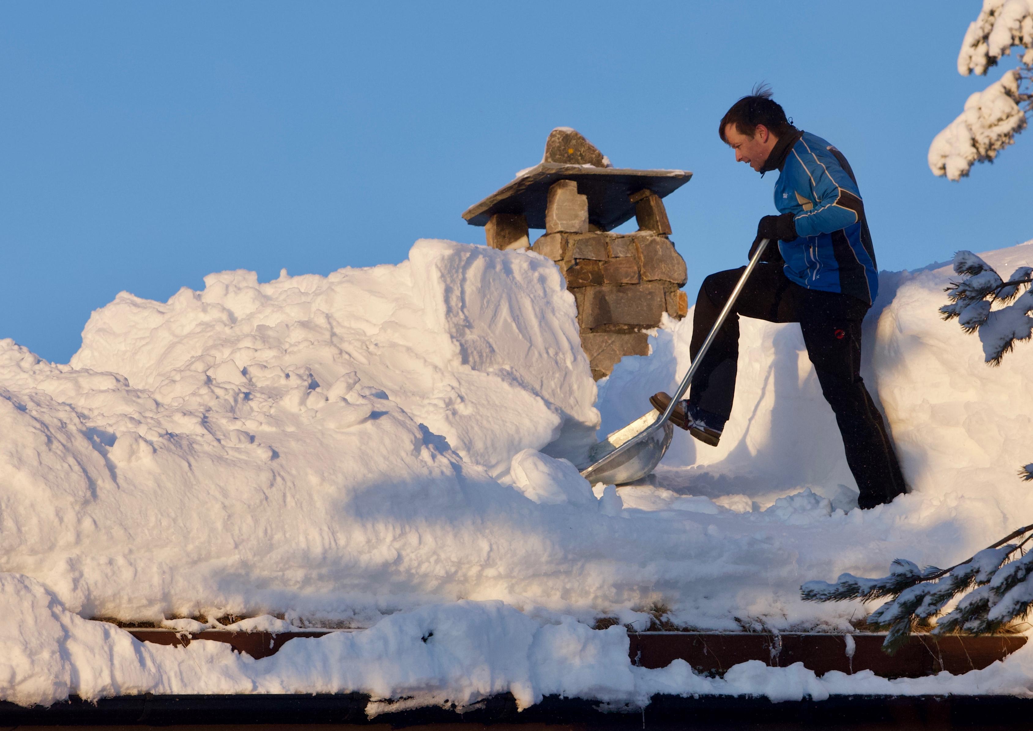 pris snømåking hyttetak