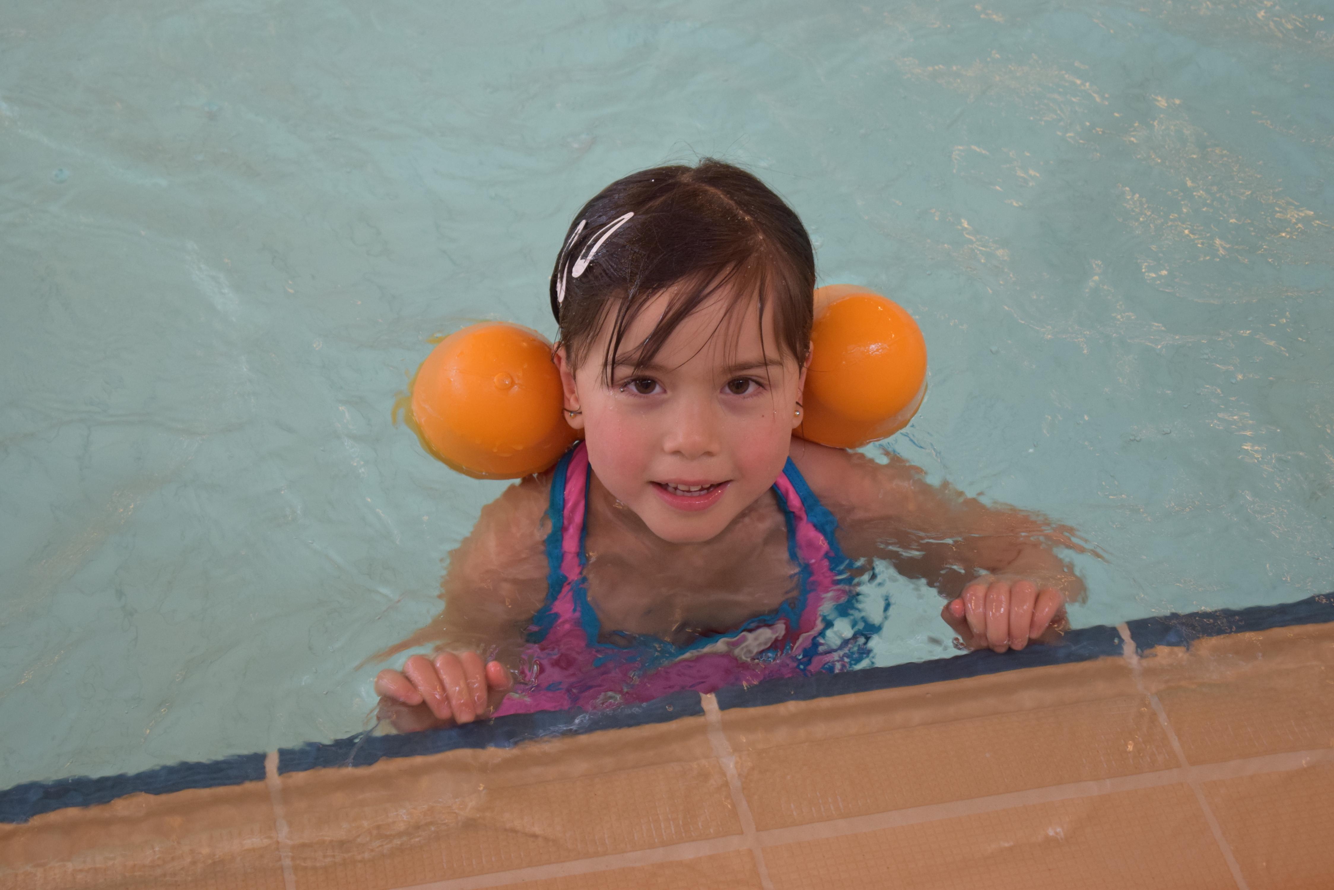 Barnehage på svømming (31).JPG