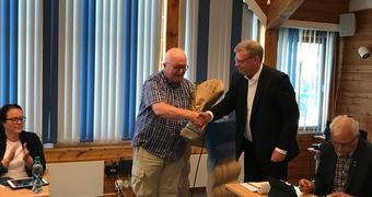 Journalist Kjell Eldegard og ordførar Noralv Distad