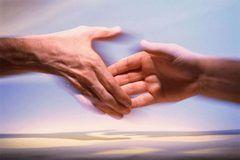 bilde viser to hender