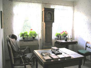 Skrivebordet til Per Sivle i Sivlesamlinga Foto: Aurland kommune