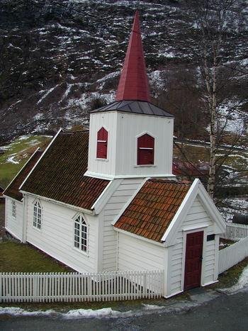 Undredal kyrkje 27.12.1999 Foto: Kyrkjelydskontoret