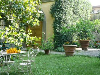 limonaia-garden[1].jpg