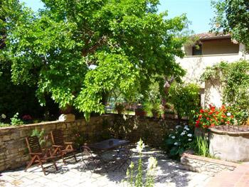 gelso-courtyard[1].jpg