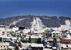 Lillehammer by. Busmoen, LysgŒrdsbakkene. Sett fra Vingnes.