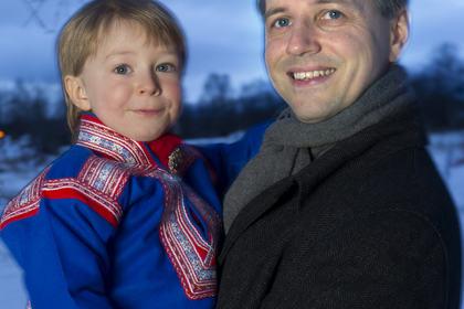 Roger Skarvik og sønnen Ailo