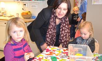Lena Jensen og to små jenter