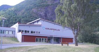 Aurlandshallen ute