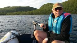 Båt og bruk ute på vannet