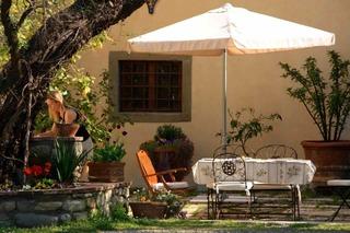 Ut VIP courtyard_320x213.jpg