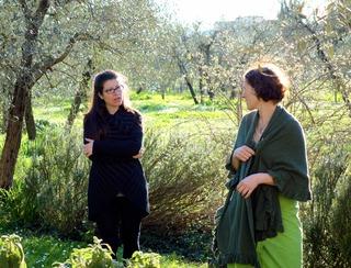 Costanza og Lise i hagen_320x244.jpg