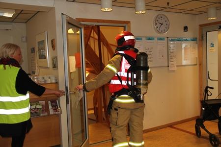 Røykdykkerøvelse 240315-Første innsats.jpg