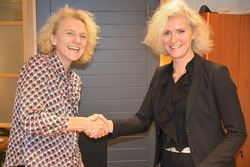 Marianne Vollan, direktør i KDI (t.h.) og direktør for Barne-, ungdoms- og familiedirektoratet, Mari Trommald (t.v.)