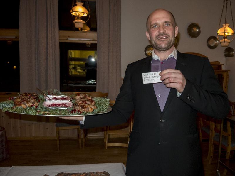 Klar til matkonkurransen Mads Hanssen med pr for retten sin