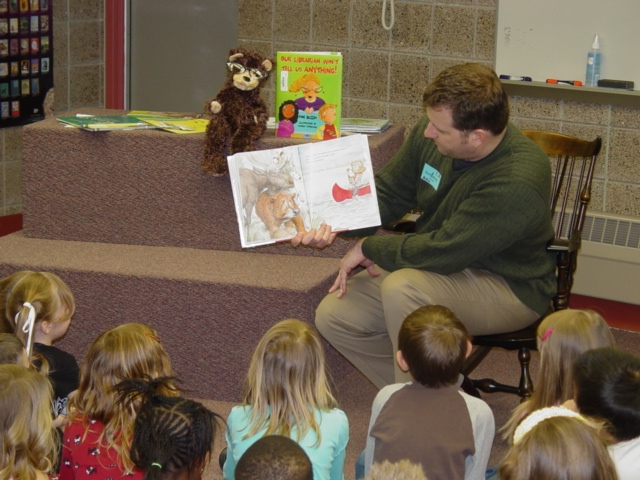 Foto Reading at Fernbrook Elementary by TimWilson CC BY 2.0 Lisens