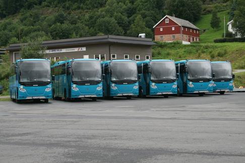 Busser.jpg