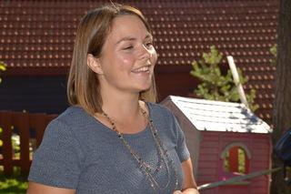 Marie Skinstad-Jansen foran Havnabakken bhg