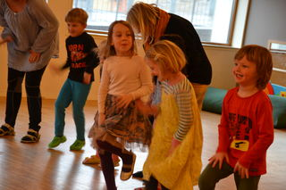 Barnehagedagen 2017 Dans i gymsalen