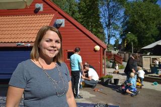 Marie Skinstad-Jansen foran Havnabakken barnehage