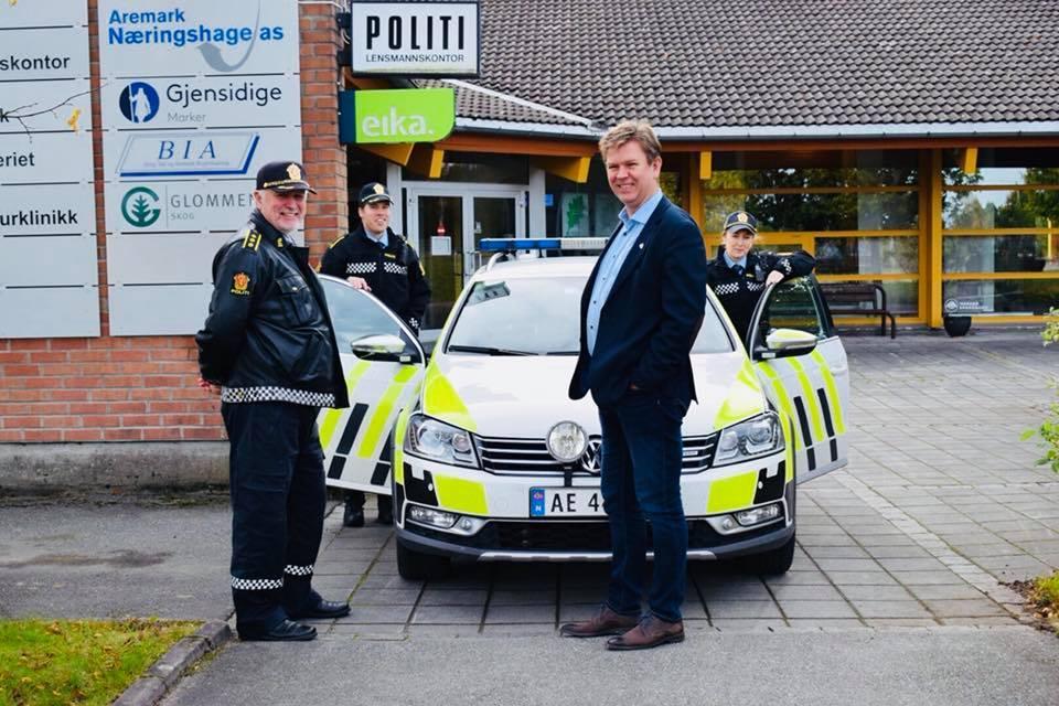 Roger Johannessen, politibil, ordfører og patrulje.jpg