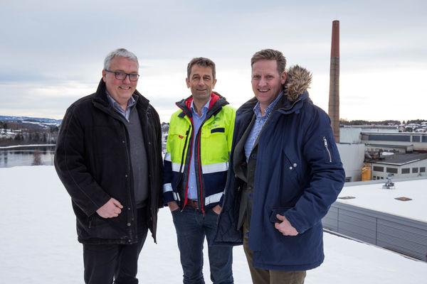 Kjell Baug, viseadministrerende direktør Ringeriks-Kraft, Rolf Jarle Aaberg, CEO Treklyngen, Pelle Gangeskar, næringsutviklingssjef Ringerike Utvikling. Foto: CATCH