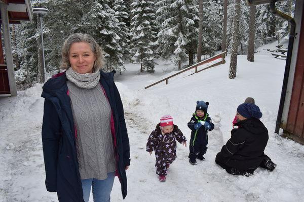 Aremark barnehage - hovedbilde med Ragnfrid - nært