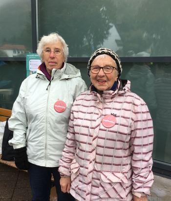 Signy Skahjem og Kristin Sønnerheim frå Saniteten