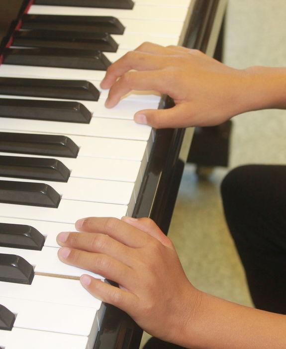 Pianohender