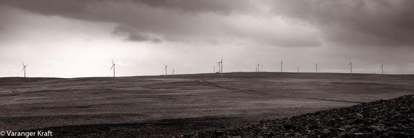 Vind Svarthvit krop - Raggovidda vindkraftverk_599x200.jpg