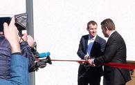 Statsrådene Kjell Ingolf Ropstad (t.v.) og Jøran Kallmyr åpner det nye kvinnefengselet.