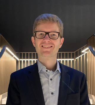 Einar Olav Larsen foto i trapp