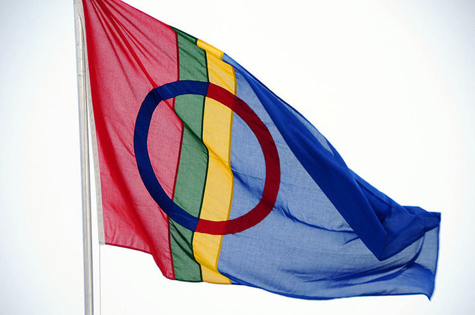 samisk flagg: common wikipedia
