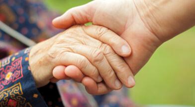 Helsepersonell og frivillige søkes