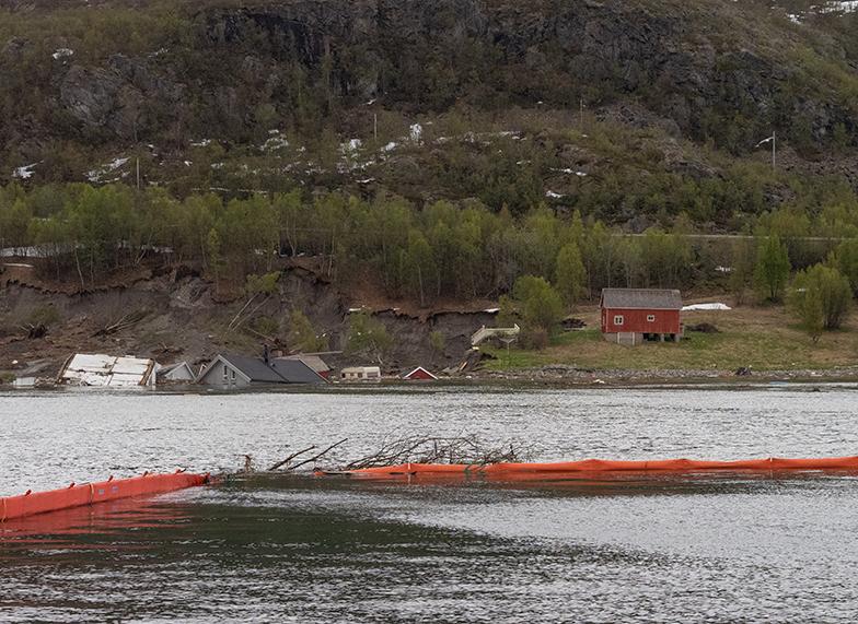 lenser i sjøen Kråknes