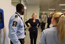 Mæland og betjent