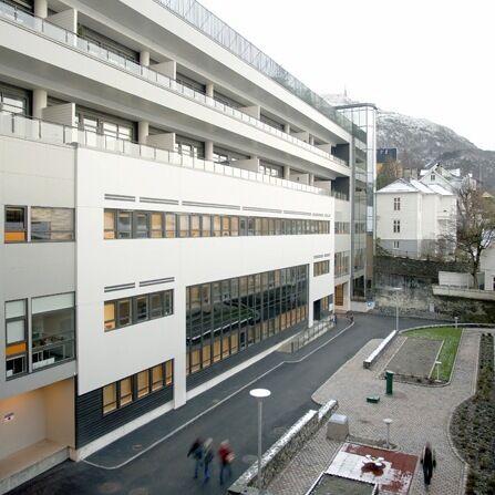 IKA Hordaland er samlokalisert med Bergen byarkiv i Kalfarveien 82 i Bergen. (Bilde: Kjerstin Kragseth, 2005)