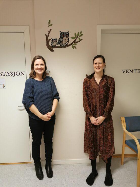 Fra venstre: Helsesøster Hege Nøkleby og helsestasjonslege Linda Grandal