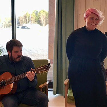Tanja Lund-Lyngmo på vokal og Kristoffer Kjeldsberg Nordseth