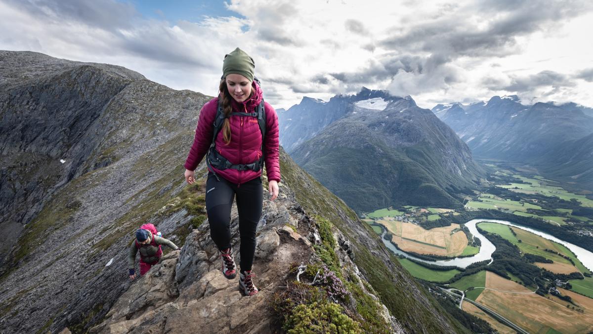 Populær fjelltur sommerstid: Romsdalseggen.